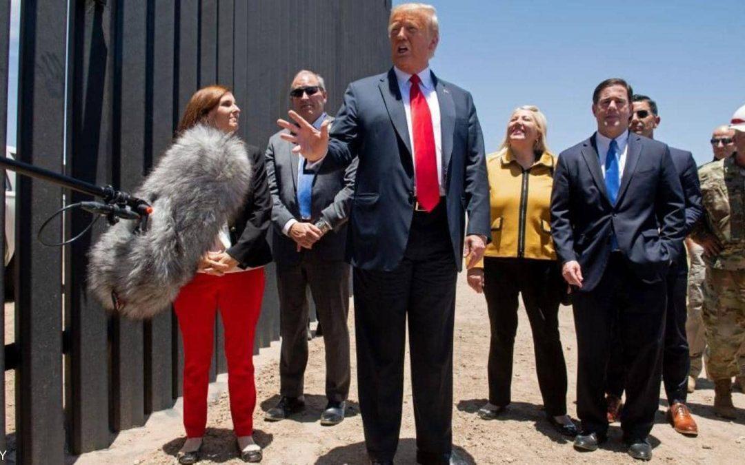 ترامب يشيد بأقوى جدار على الأرض: أوقف كورونا.. وأوقف كل شيء