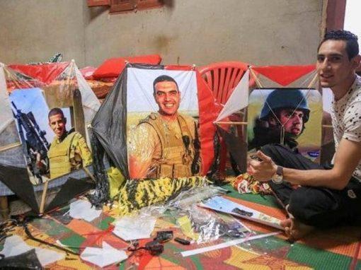 صلاح ومنسي في سماء القاهرة لمحاربة ملل كورونا.. عودة الطائرات الورقية
