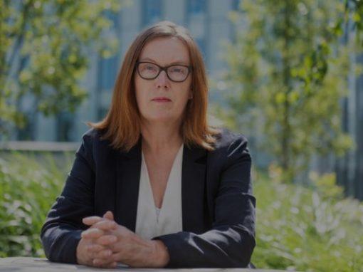 لقاح فيروس كورونا: تعرفوا على سارة جيلبرت العالمة التي تقود البحث عن لقاح للوباء