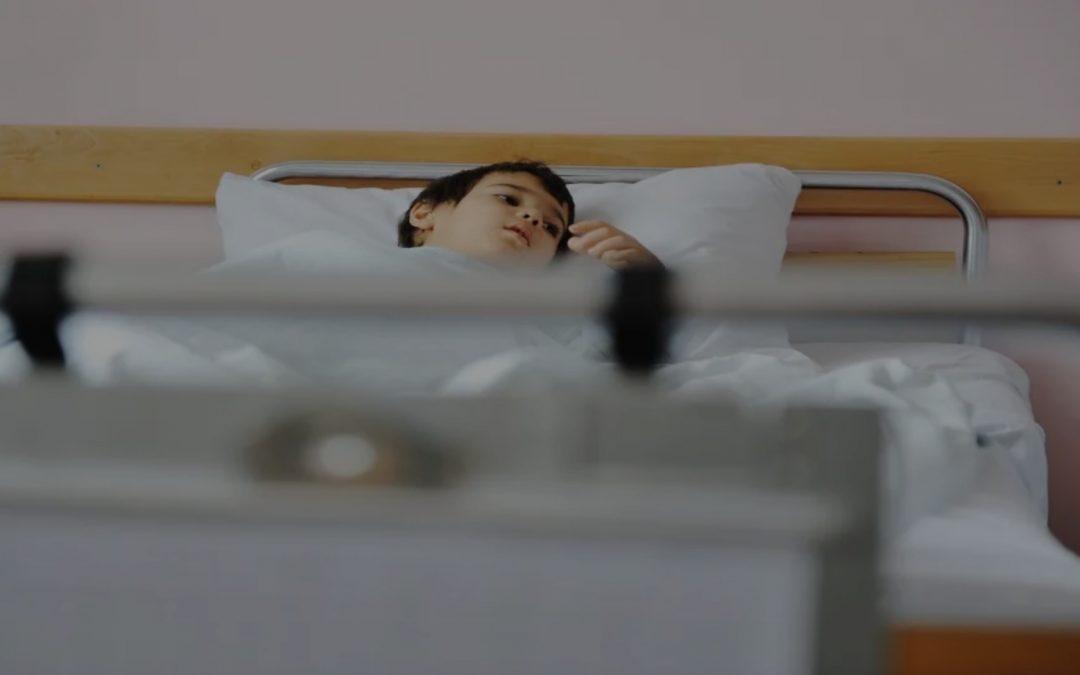 وفاة طفل بسبب كورونا في جورجيا رغم عدم معاناته من مشاكل صحية