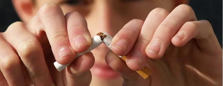"""دراسة تحذر من التدخين: يتسبب في مضاعفة عدوى """"كوفيد 19"""""""