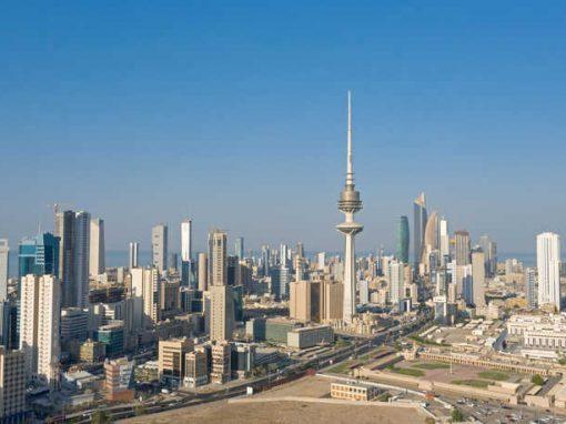 الكويت تغلق منافذها الحدودية بسبب السلالة الجديدة من كورونا