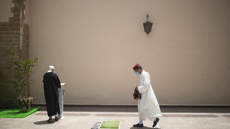 المغرب يحظر إقامة صلاة عيد الأضحى بالمساجد بسبب كوفيد-19