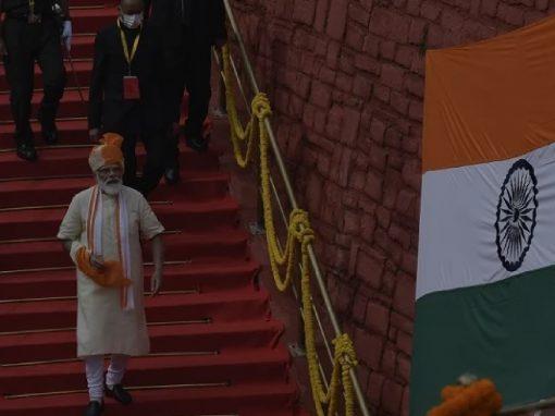 الهند تعلن اختبار 3 لقاحات ضد كورونا