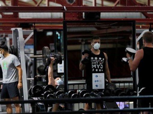 السلطات الأمريكية تدعو الولايات للاستعداد لتوزيع لقاح لكوفيد-19 قبل تشرين الثاني/نوفمبر