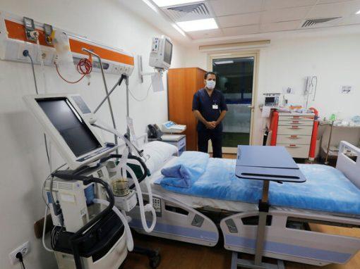 """""""11 عارضا جديدا"""" جراء الإصابة بفيروس كورونا يكشفها طبيب مصري"""